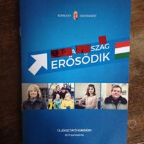 'Magyarország erősödik' tájékoztató borítója kitakarva úgy, hogy 'a szag erősödik' látszódjon